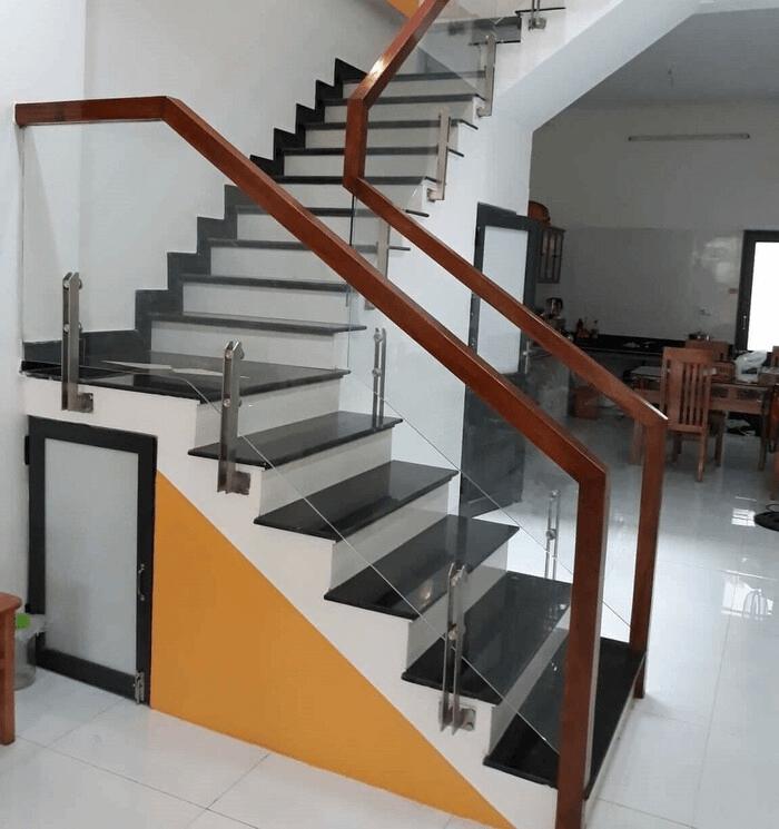 Báo giá cầu thang kính cường lực tại Đà Nẵng